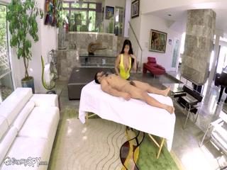 Русская порнуха с парнем и девушкой дома на кровати в киску, анал