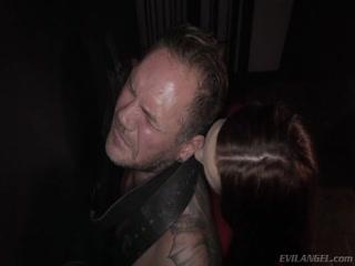 Мужик устроил с женой жесткий анальный порно кастинг